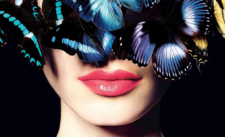 Conviértete en la reina del verano y conquista los mares del estilo con la nueva colección Chanel Make up, L'été papillon 2013.   http://athestyleguide.com/el-lujo-de-reinventar-el-verano/