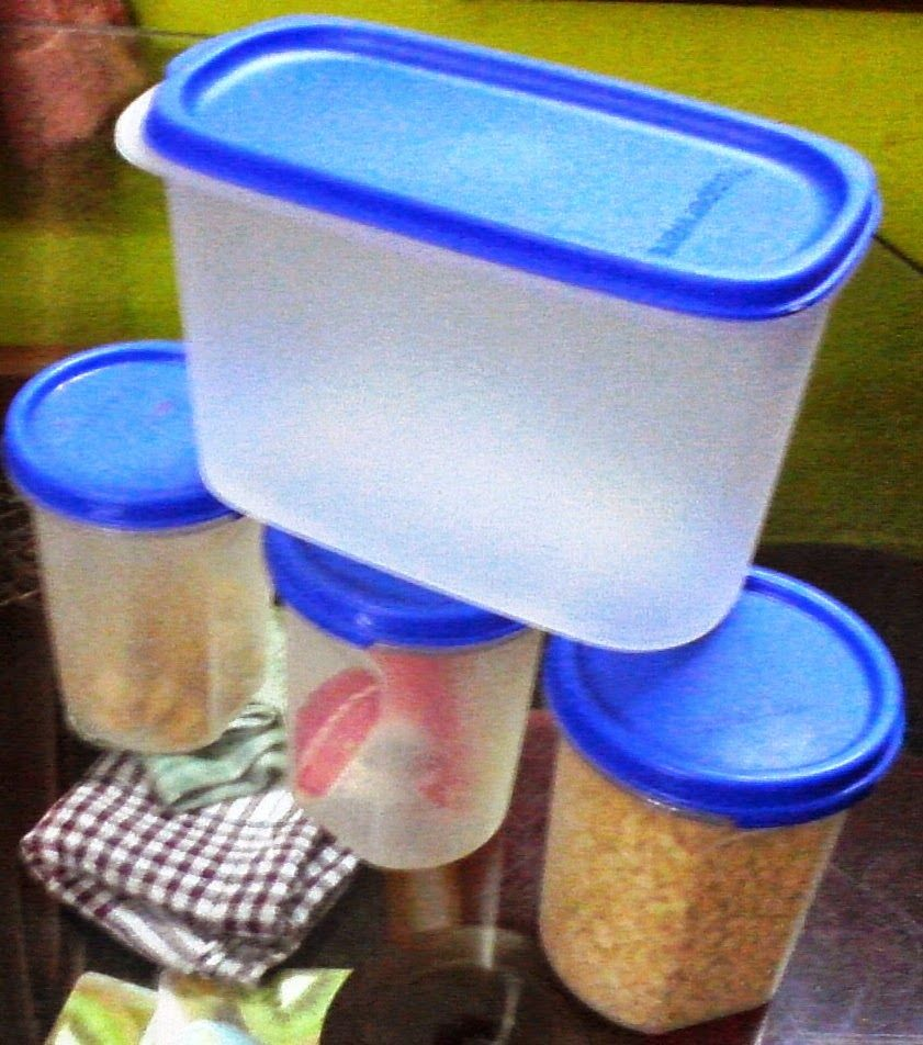 TUPPERWARE PRODUCTS: DRY STORAGE RANGE
