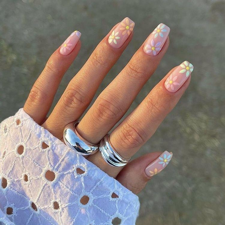 Cute Summer Nails Aesthetic