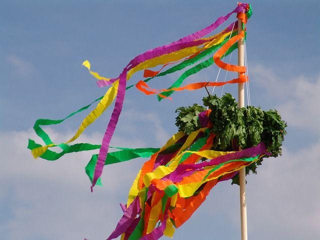 Pin von the world of apprico auf 1 apprico business feng shui richtfest richtfest feiern - Richtfest deko ...