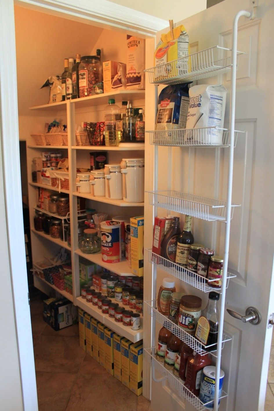 Under the stairs pantry ideas google search pinteres for Under stairs kitchen storage