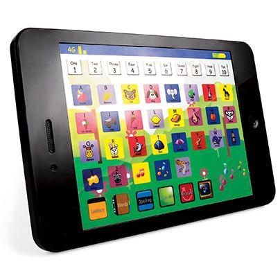 ¡Diversión mientras aprende! Tablet for Tots es ideal para niños pequeños.   Incluye 6 juegos de aprendizaje: • Letras • Música • Ortografía • Preguntas • Palabras • Memoria