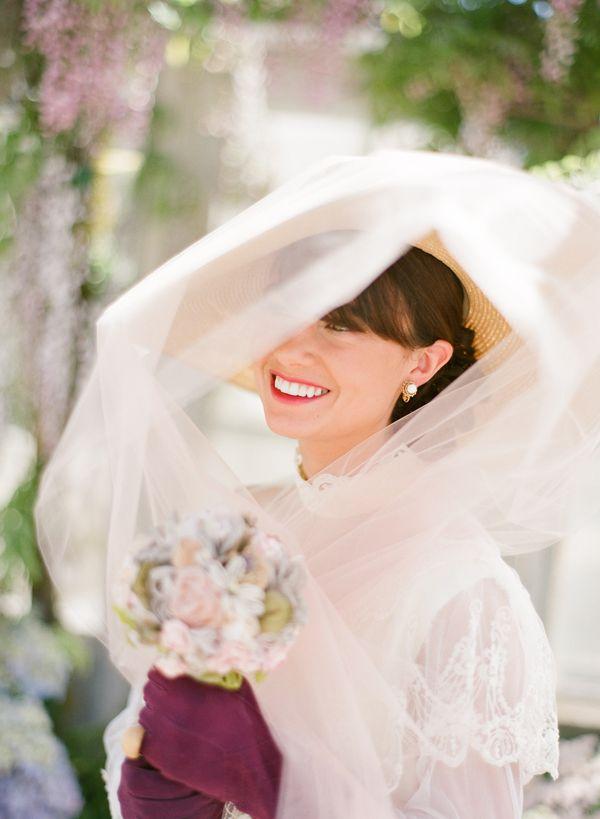 4d2fd113 Mary Poppins Inspired Wedding | Disney Fashion Bound | English ...
