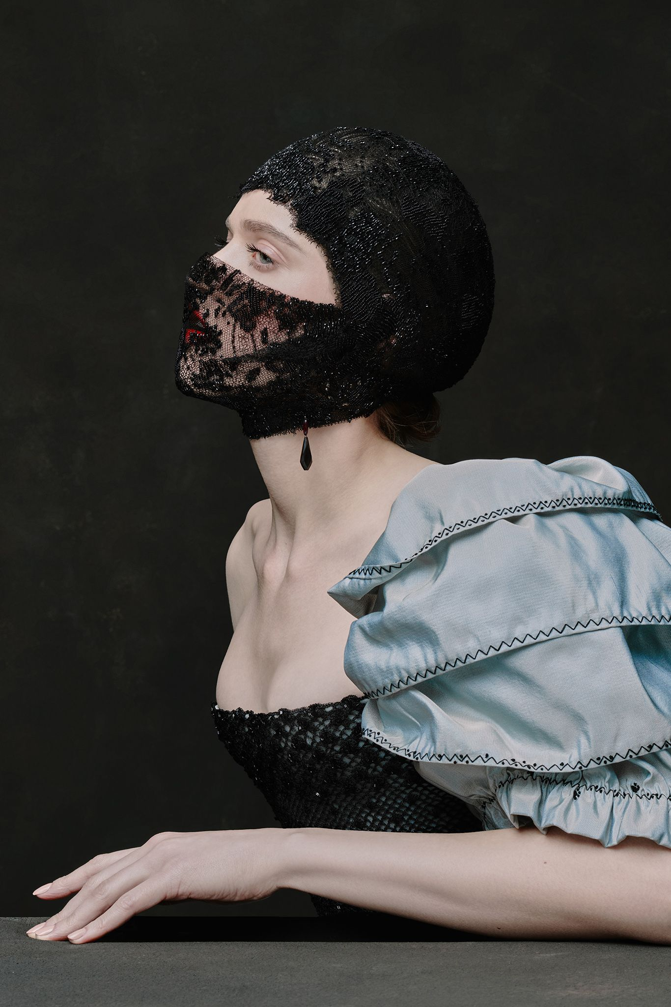 Ulyana Sergeenko Couture Spring 10   Ulyana sergeenko, Vampire ...