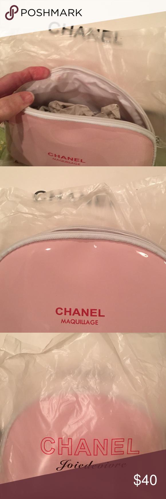 VIP Gift Chanel Makeup Bag New Chanel makeup bag, Chanel