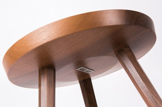Marlon Sidetable by AXEL VEIT   Side tables