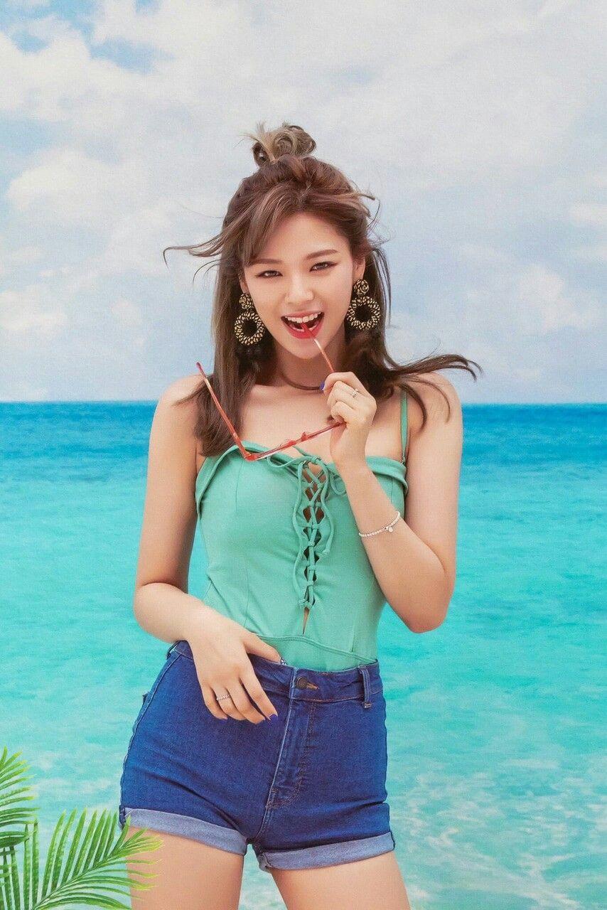 Twice-Jeongyeon | ❤•T W I C E•❤ | ❤•T W I C E•❤ | Pinterest