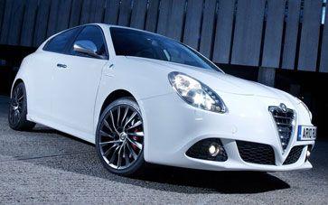 #Alfa #Romeo Giulietta #Hatchback Car: Electrically adjustable and heated door mirrors.