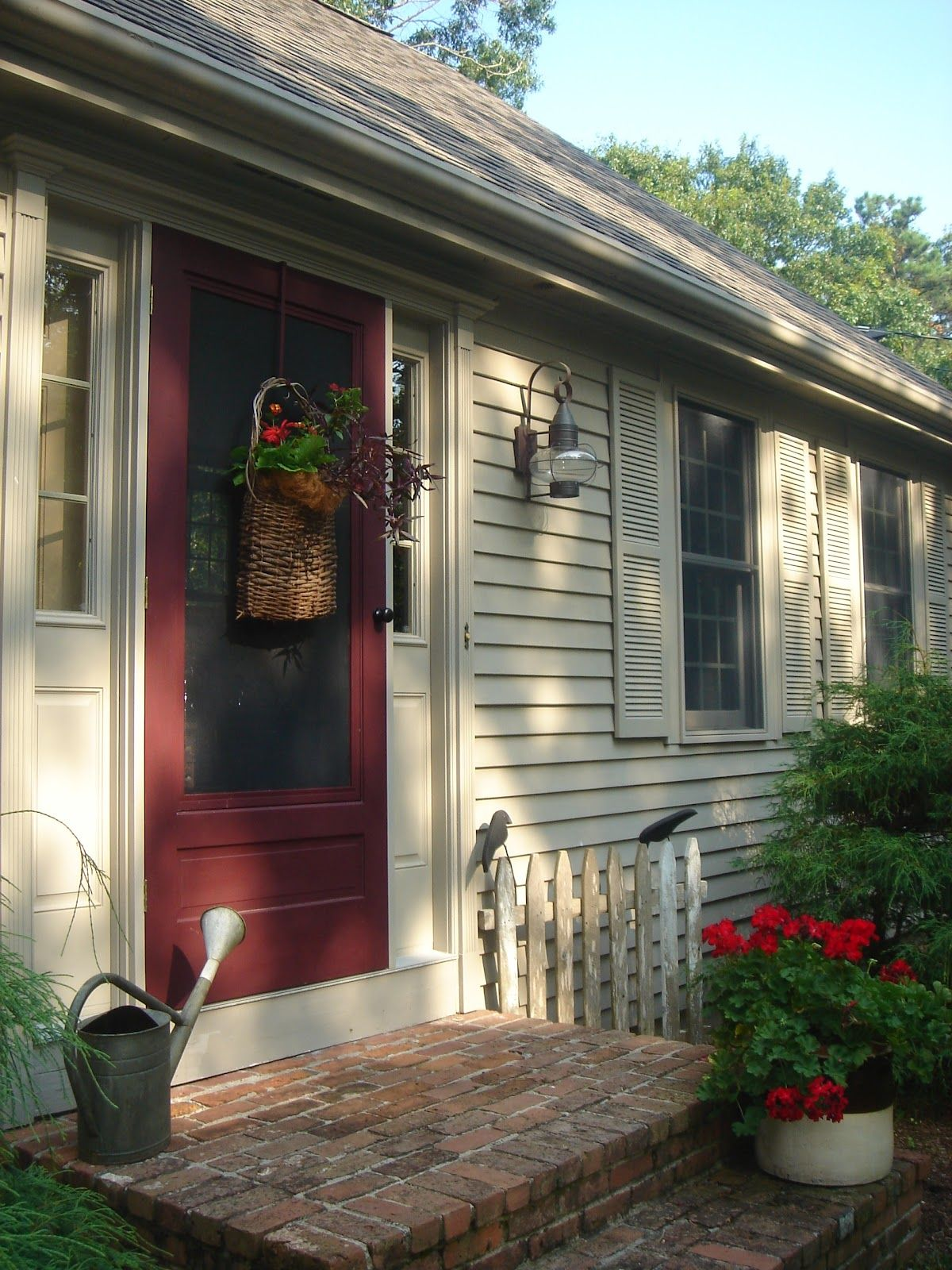 my home outside color is benjamin moore briarwood the on behr exterior house paint photos id=39628