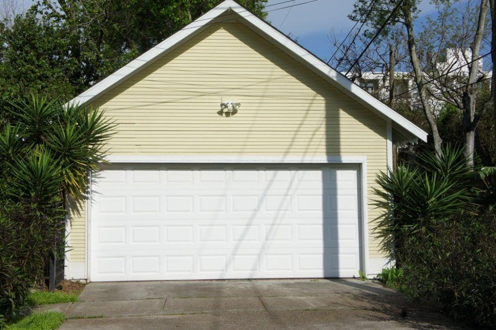 Garage Door Services In 2021 Garage Door Repair Door Repair Garage Doors
