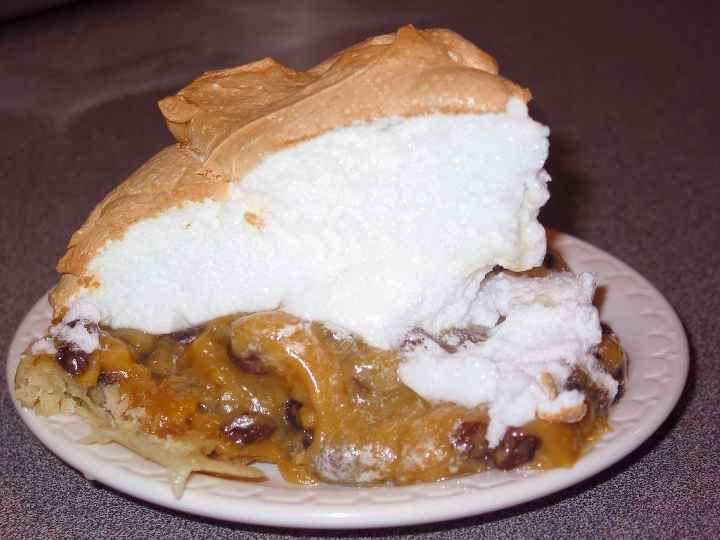 Lange S Cafe Pipestone Mn Sour Cream Raisin Pie Raisin Pie Road Trip Food