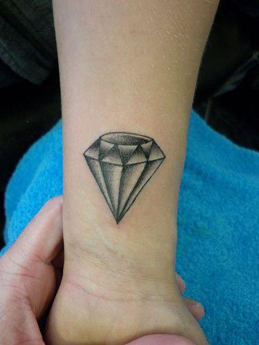 Diamond Tattoo I Like The Shading Tattoos Diamond Tattoo