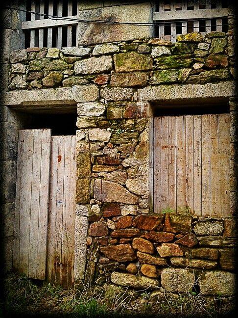 Rustic textures - antigua vivienda en Galicia.