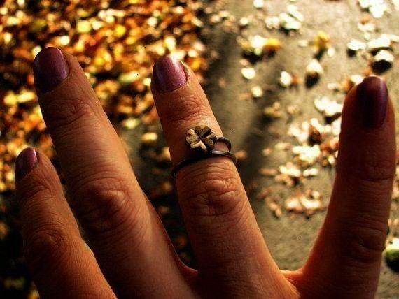 ring Four leaf clover knuckle ringFour leaf clover knuckle ringleaf clover knuckle ring Four leaf clover knuckle ringFour leaf clover knuckle ring Wedding Band Set Gold S...
