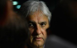 Delcídio do Amaral deixa a prisão e volta ao Senado na segunda-feira
