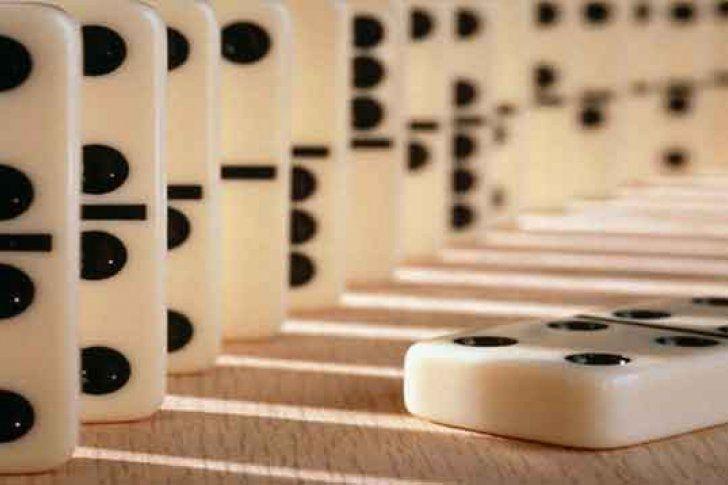 Aprende a jugar dominó con estos nueve pasos