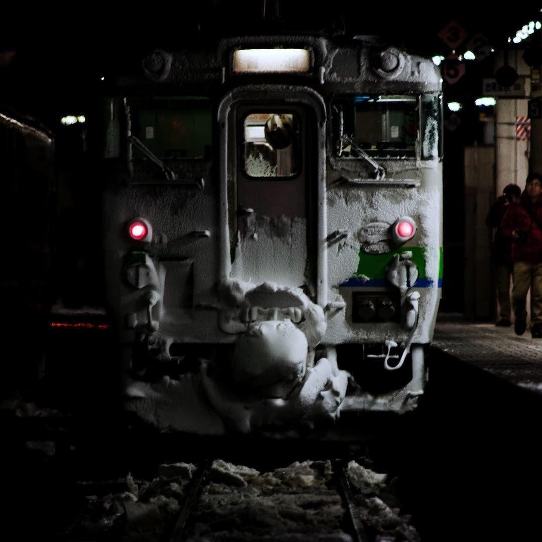 戦いのあとに #鉄道 #railways #rail_barons #rsa_theyards #prf_shots #picture_to_keep #photogasmic_shots #shootergram #splendid_transport #trains #team_jp_ #train_nerds #theyards_candid #trains_worldwide #wu_japan #icu_japan #jj_transportation #キハ40 #電車おしり祭り by semirapidishikariliner