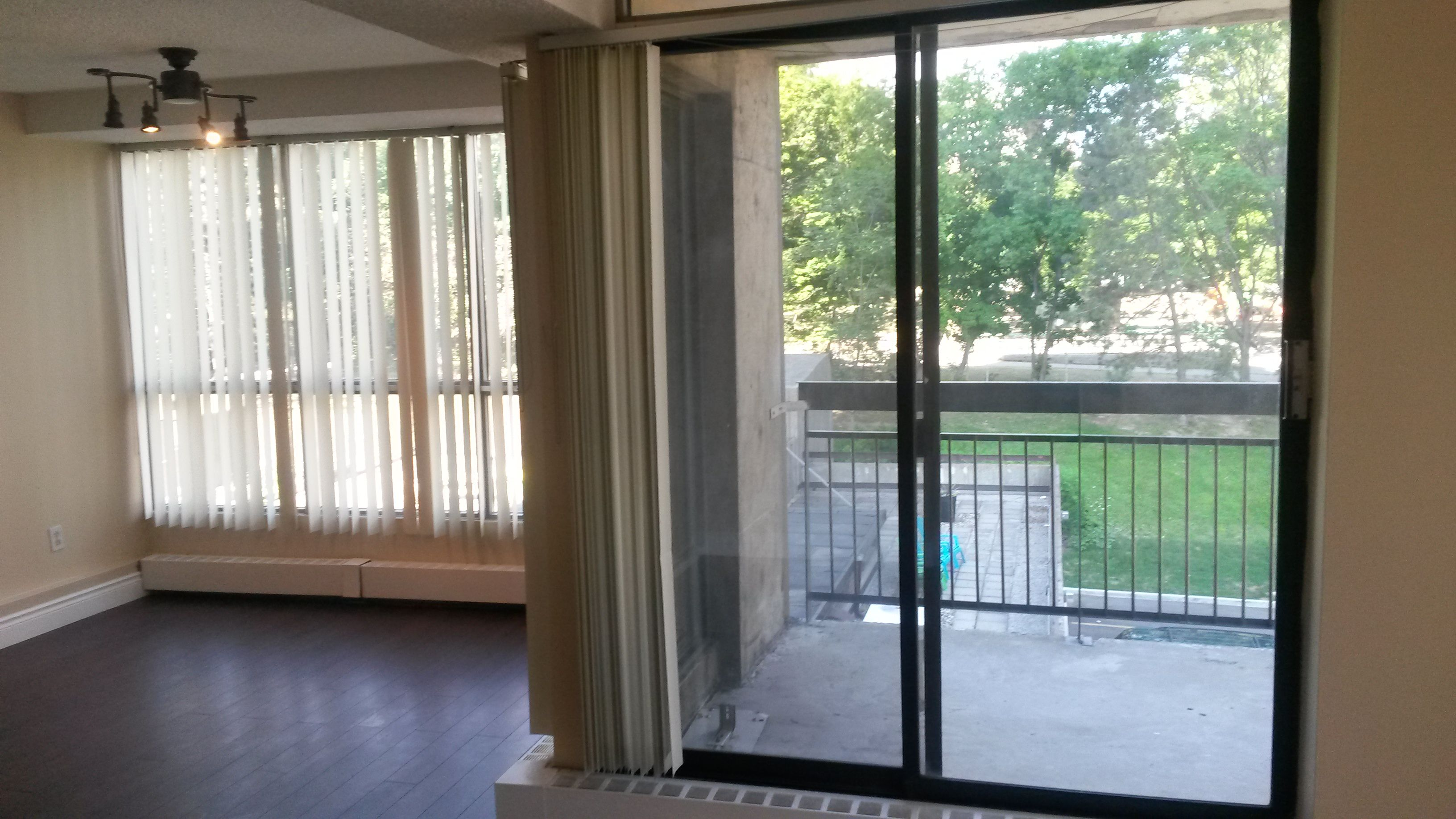 2 Bedroom Apartment Downtown Hamilton For This 1000 Sqf Renovated