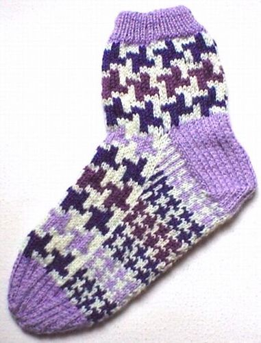 Houndstooth Check Socks | Sock patterns, Pattern, Socks