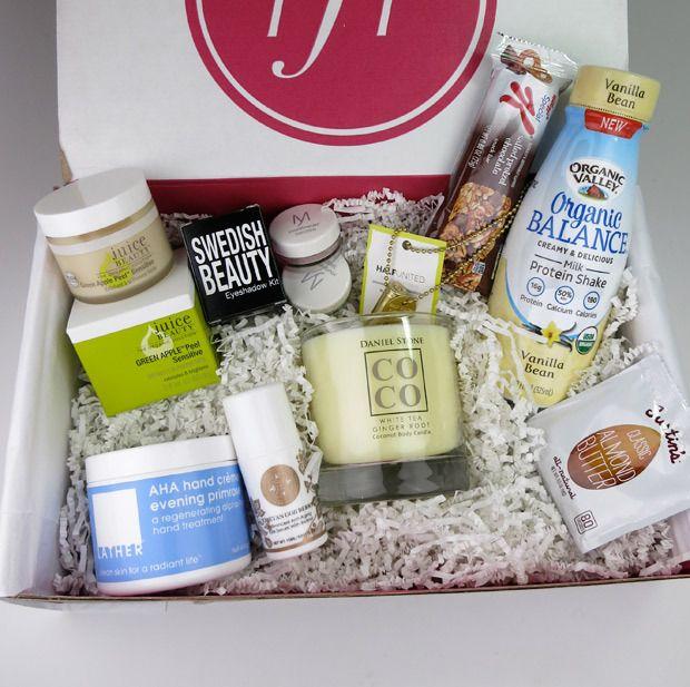 "Check out the ""FabFitFun Winter 2014 VIP box!"
