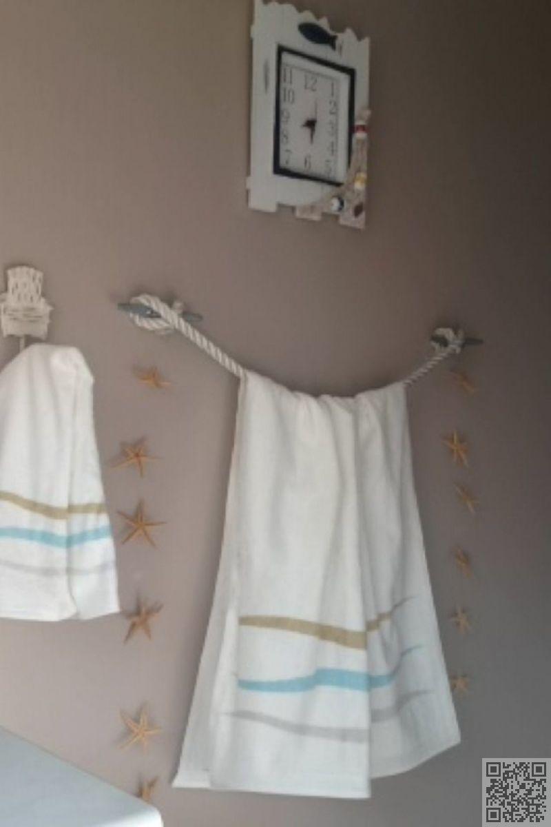 11 Rope Towel Holders 32 Seaworthy Beach Themed Bathrooms