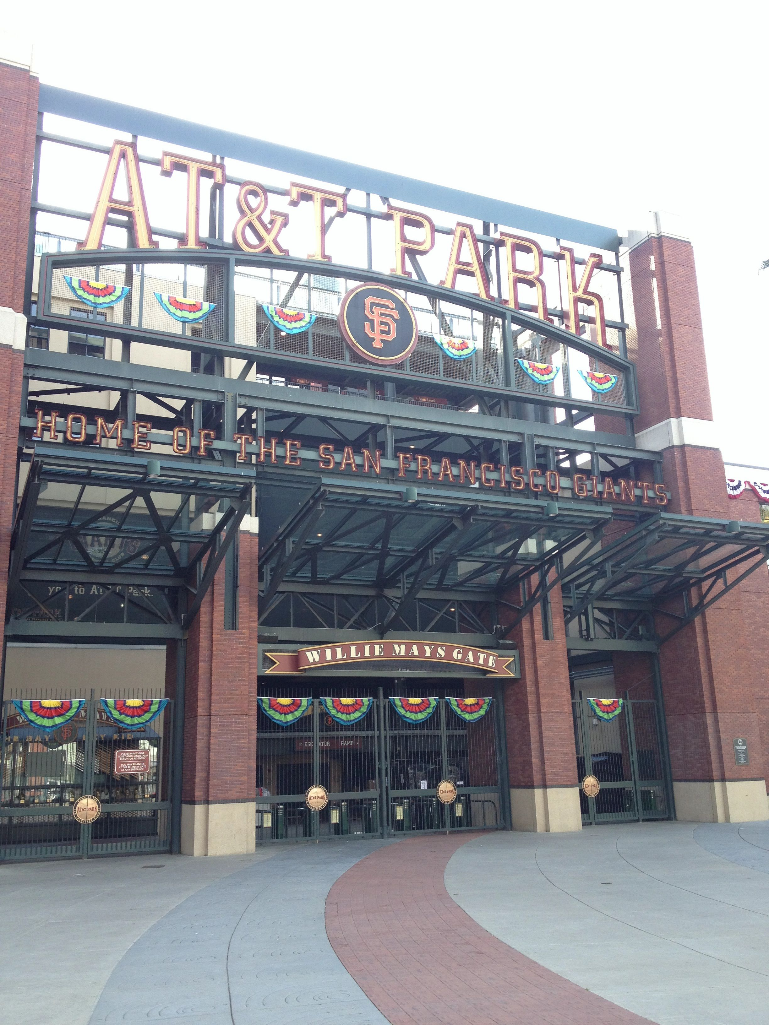 Home of the world champions san francisco giants say hay kid gate