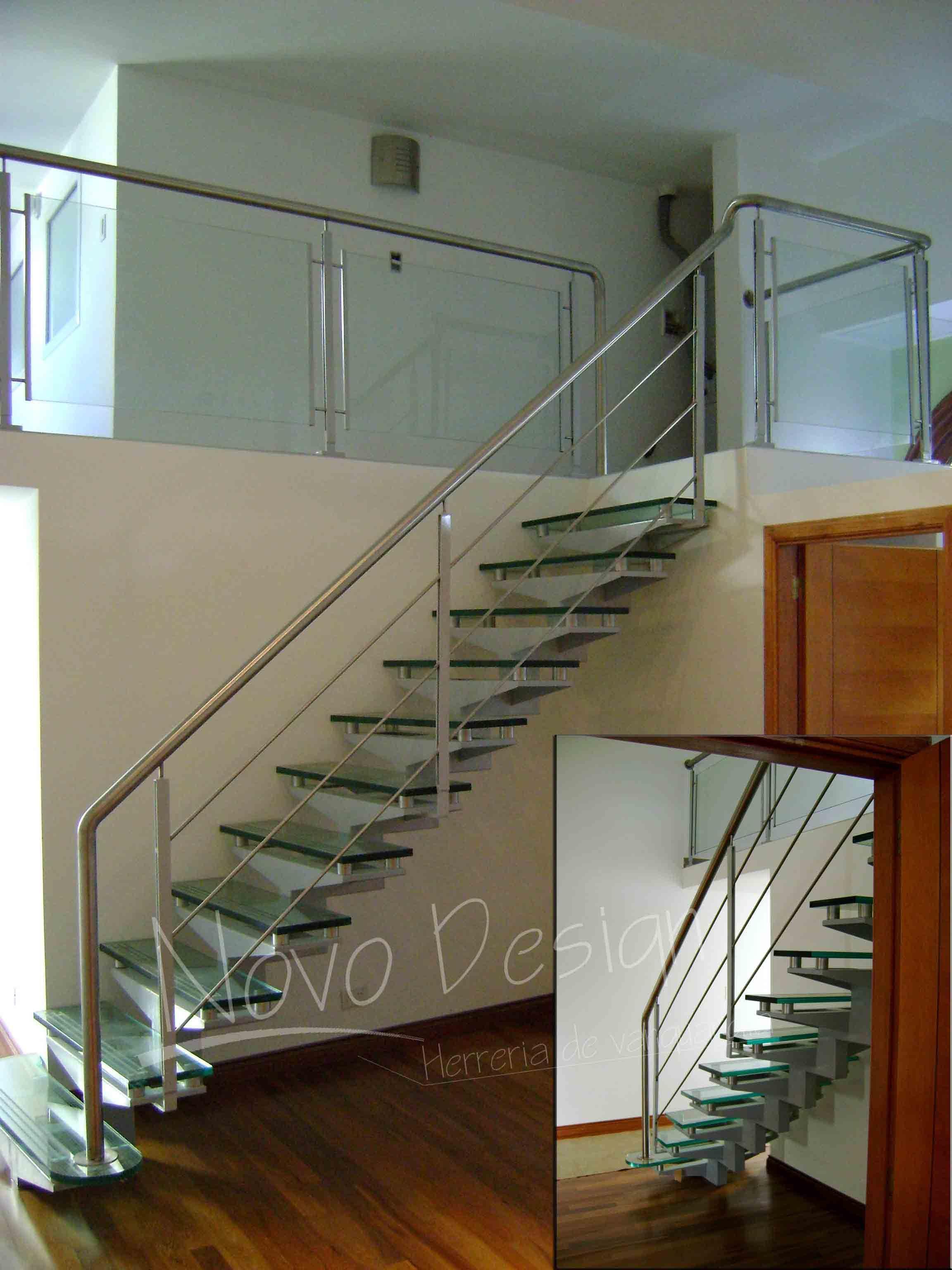 Barandas de escaleras interiores vi diseo novedoso de escaleras modernas escaleras y balcones - Escaleras de cristal y madera ...