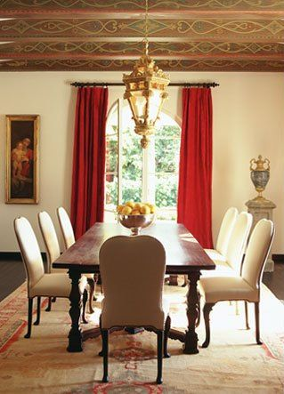 Spanish Colonial These Beautiful Stenciled Beams In This Dining Room Looks So Elegant Notice That The Is Kept Subtle Otherwise No Fancy Wallpaper Or