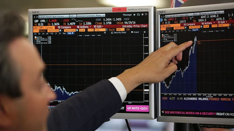 Dow falls another 500 points, extending worst start to a
