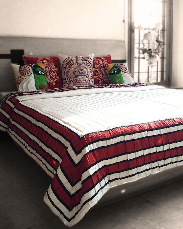 Bedspread India: The Mansion