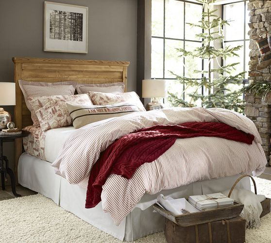 Cute Christmas Bedroom Doesn T Take The Theme Too Far Vintage Ticking Stripe Duvet Cover Sham Red Pottery Barn Home Decor Home Christmas Bedroom