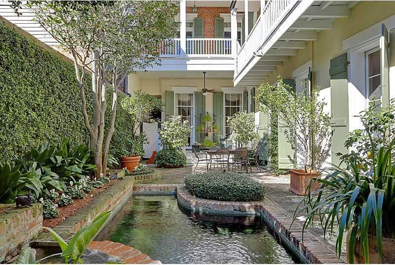 New Orleans Backyard Style Courtyard