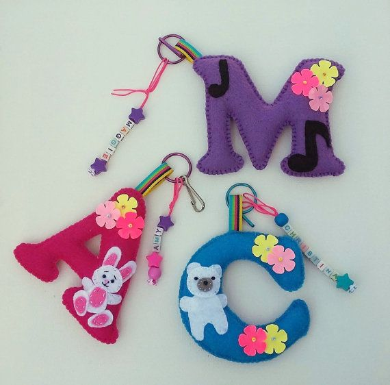 Felt letter backpack clip,Personalized school bag clip,Felt letter key ring,Personalized letter keychain,Kids gift,Stocking stuffer