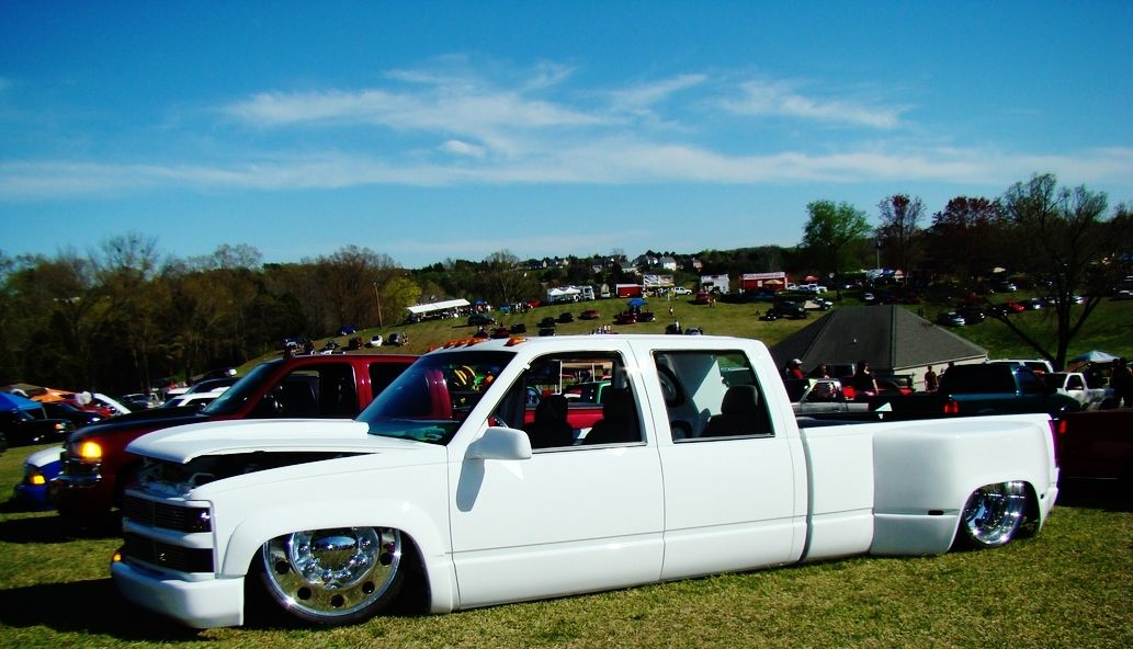 Chevy 3500 truck dually bagged | Bagged trucks/duallys