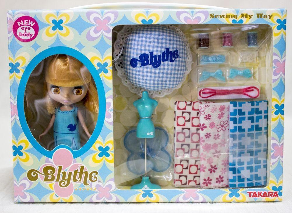 Petite Blythe Sewing My Way Figure Doll w/Sticker Hasbro TAKARA JAPAN
