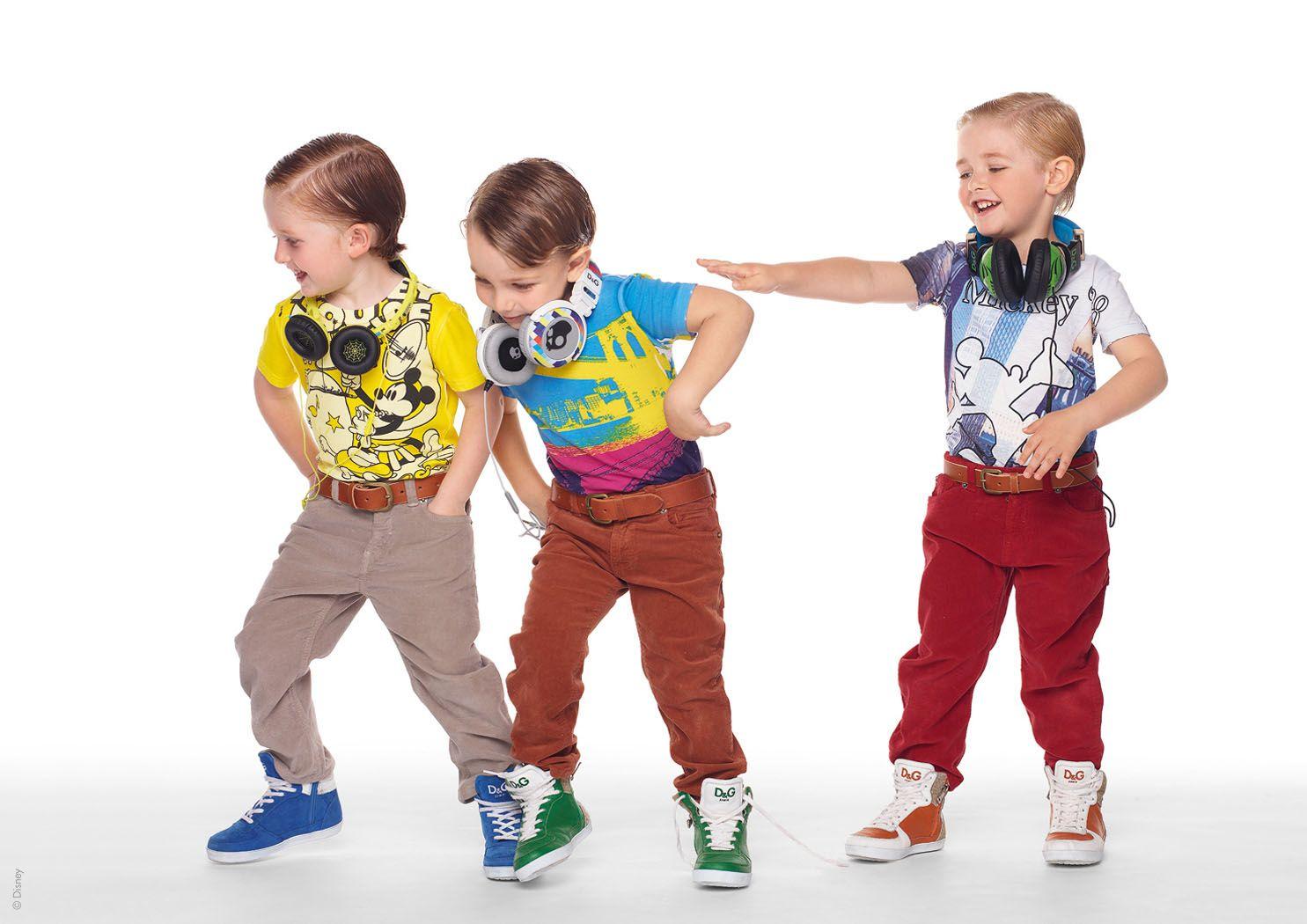 Детская одежда и обувь картинка