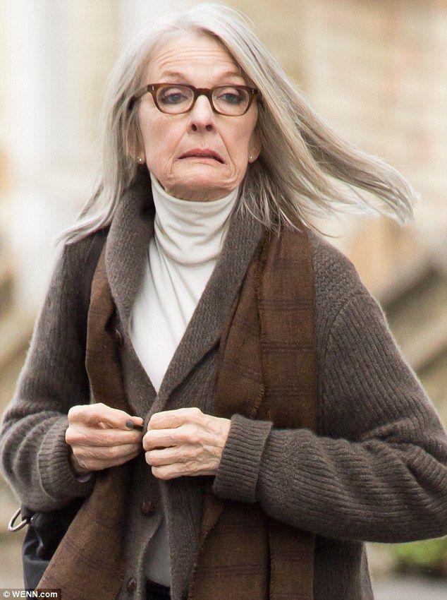 Diane Keaton 70 Dresses Head To Toe In Chocolate Hues Diane Keaton Diane Dianne Keaton