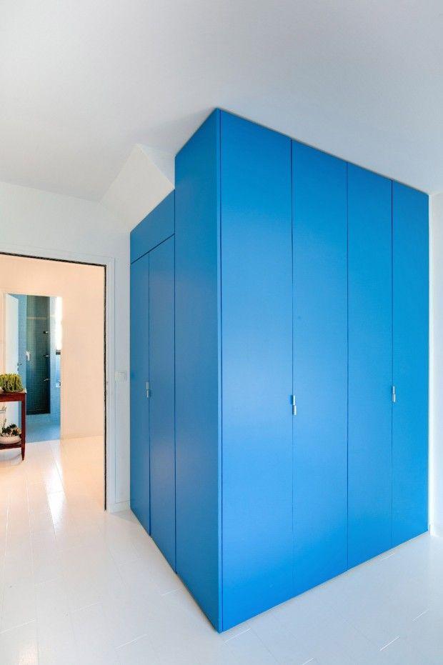 Bookshelf House, rénovation d\u0027une maison en banlieue parisienne par - plan d une maison simple