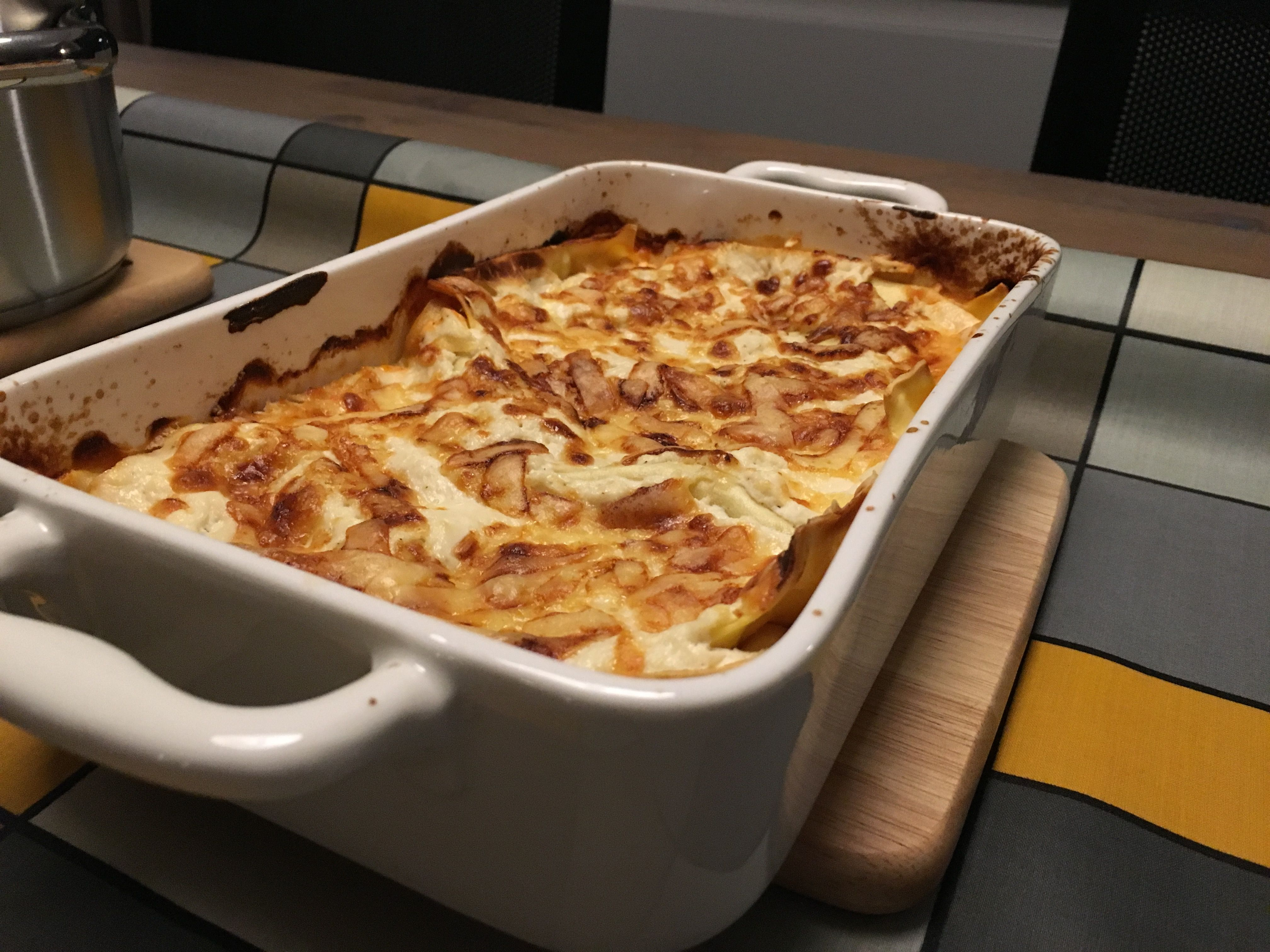 cannelloni a la lasagna with salmon tomatoes ricotta and cheese