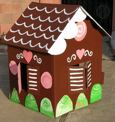 Mini Gingerbread House Diy: Back View Of Gingerbread House Made From Appliance Box