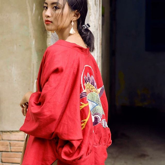 A little Red <3 . . . . #Art #artist #embroidery #handembroidery #handmade #design #fashion #beautiful #cute #photooftheday #photoday #photooftheweek #naucorner #model #modeling #love #lovely #beauty #beautiful #beautifulgirl #art #photography #instabeauty #instadaily #traditional #vietnam #kimonostyle #kimonocardigan #red