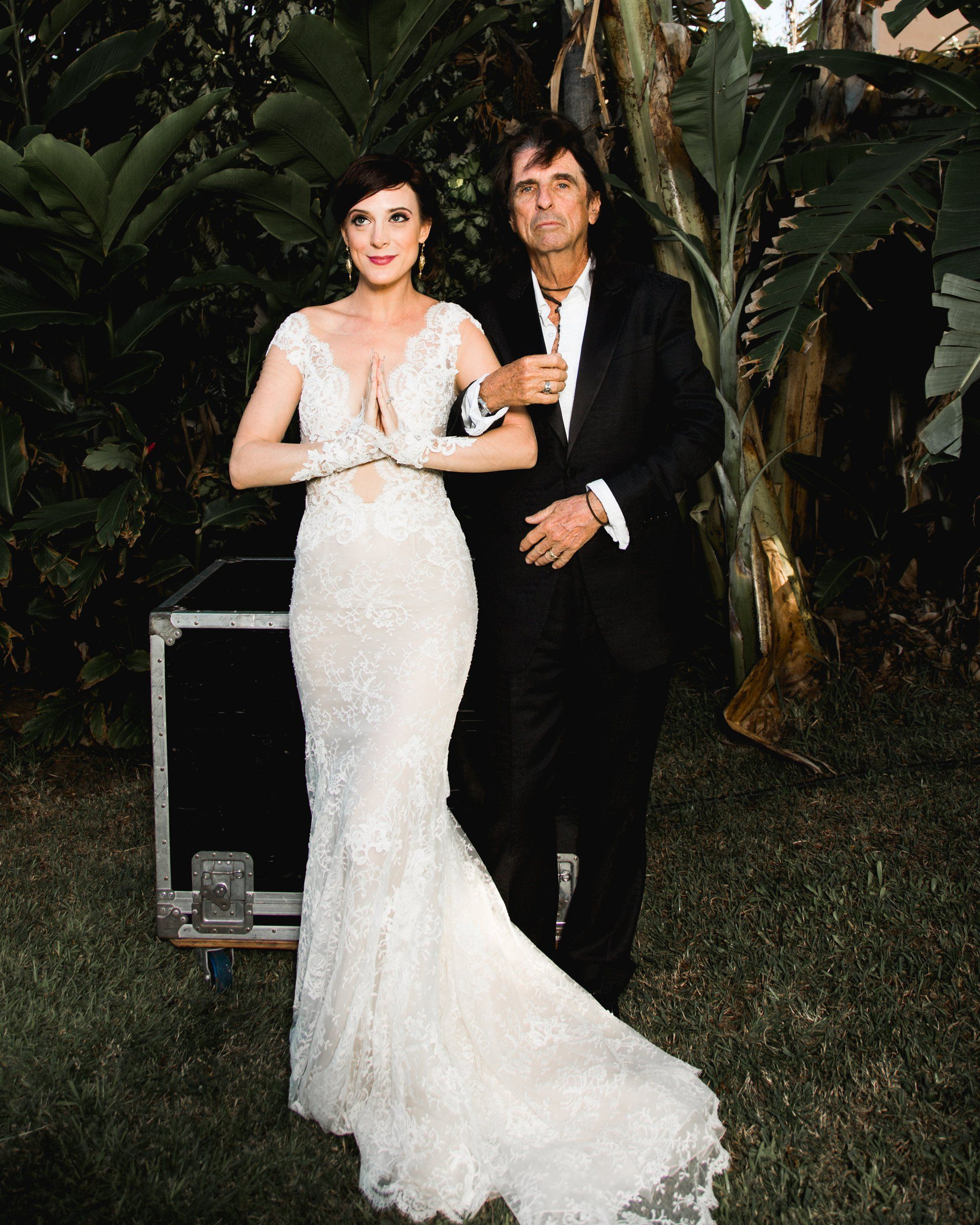 Alice Coopers Daughter Is Rock Royalty But Her Wedding Is Pure Elegance