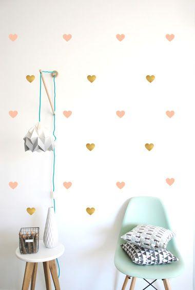muurstickers roze en gouden hartjes