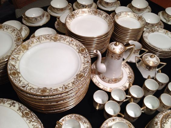 Antique Noritake  M  Gold Christmas Ball China Set 138 Piece Unused 1920s jpg ( & Antique Noritake