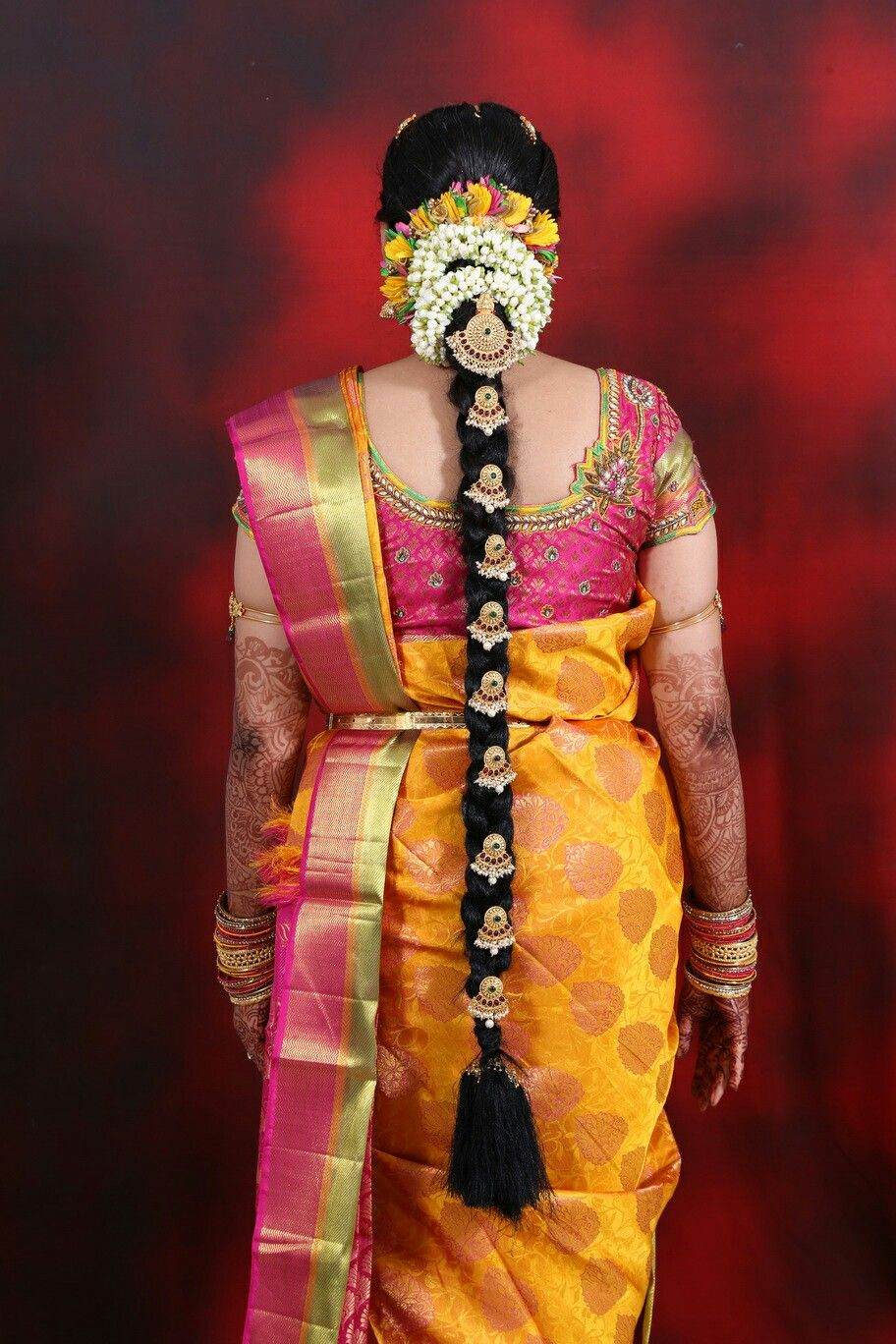 Bridal Hair Do And Blouse Design For Tamil Wedding Mugurtham Indian Bride Hairstyle South Indian Bride Hairstyle Indian Bridal Hairstyles