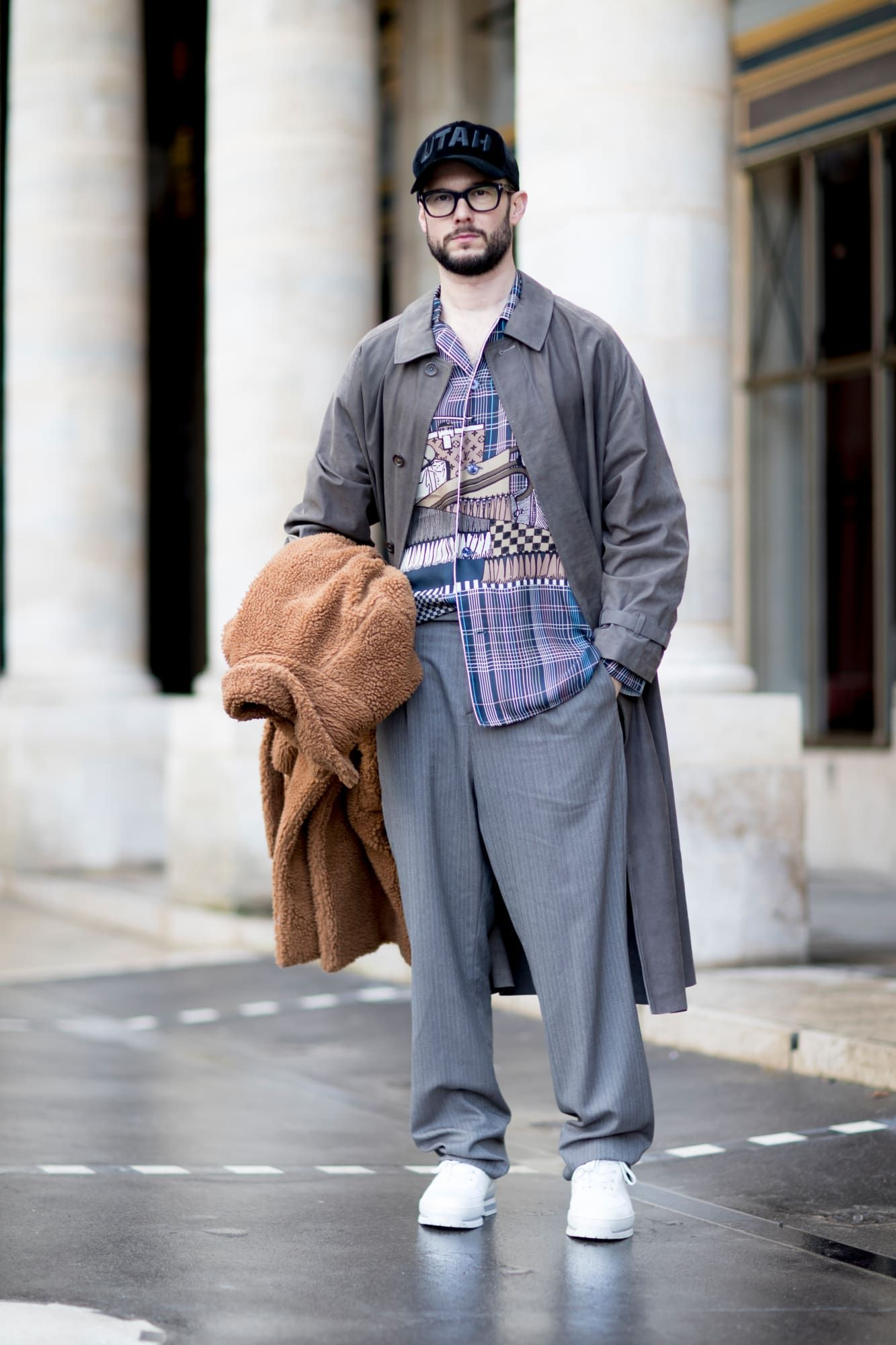 The Street Style Crowd at Paris Men s Fashion Week Brought Back the ... b95a0dbac702
