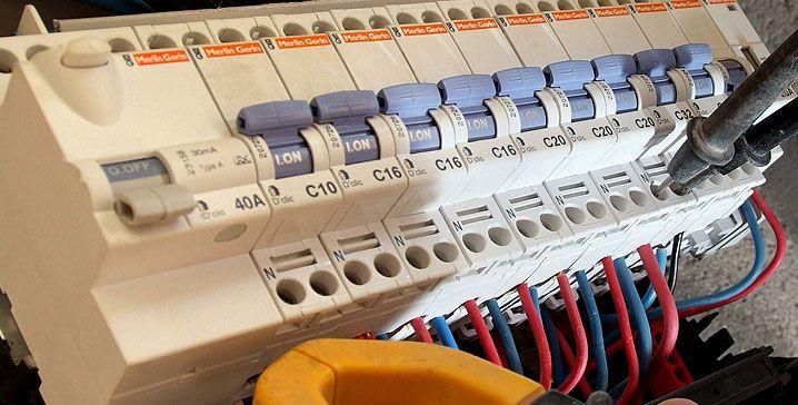 Mon Electricien (monelectricien) sur Pinterest - electricite a la maison