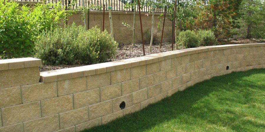 Pin By Karolina On Ogrody In 2020 Backyard Retaining Walls Landscaping Retaining Walls Retaining Wall