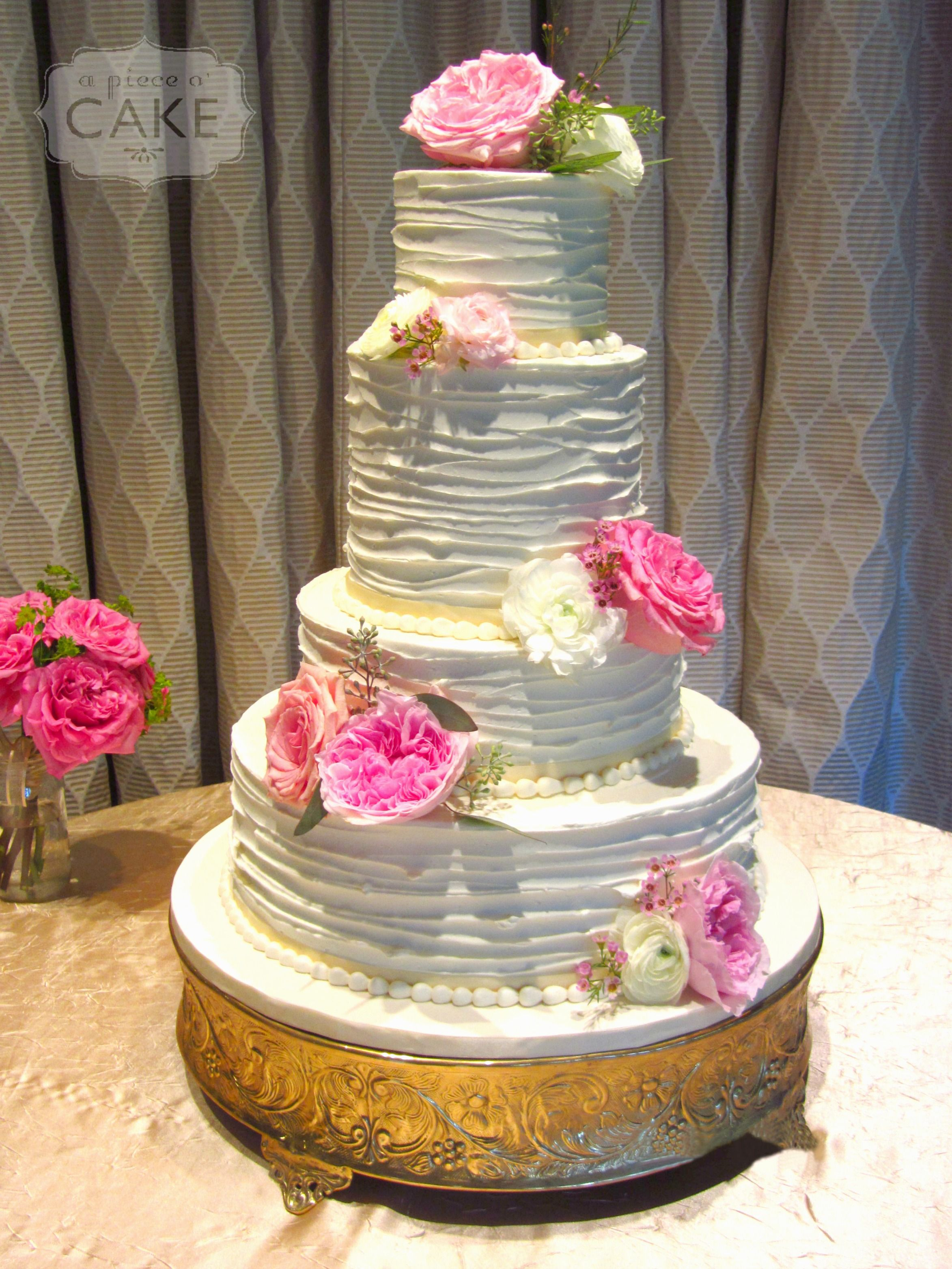 Pin by a piece ou cake on buttercream wedding cakes pinterest