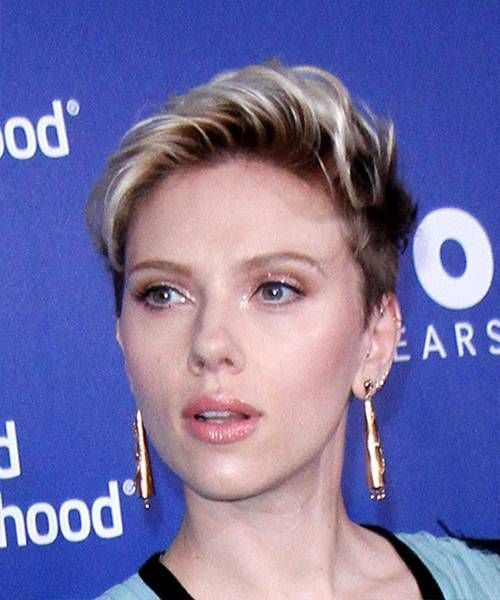 Hairstyles for Short Wavy Hair with Layers Of Scarlett Johansson Short Wavy Casu... - #hairstyles #johansson #layers #scarlett #short - #ScarlettJohansson
